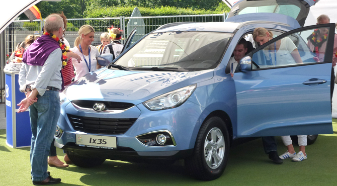 Fans experiencing Hyundai cars at Hyundai Fan Park Berlin